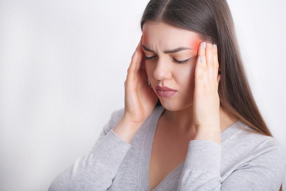 woman migraine