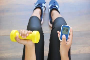 fitness women dumbell