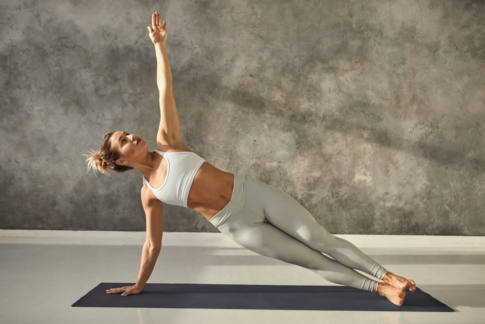 yoga side plank pose